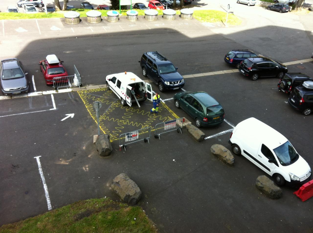 5 livraison panneaux stationnement interdit / pompiers