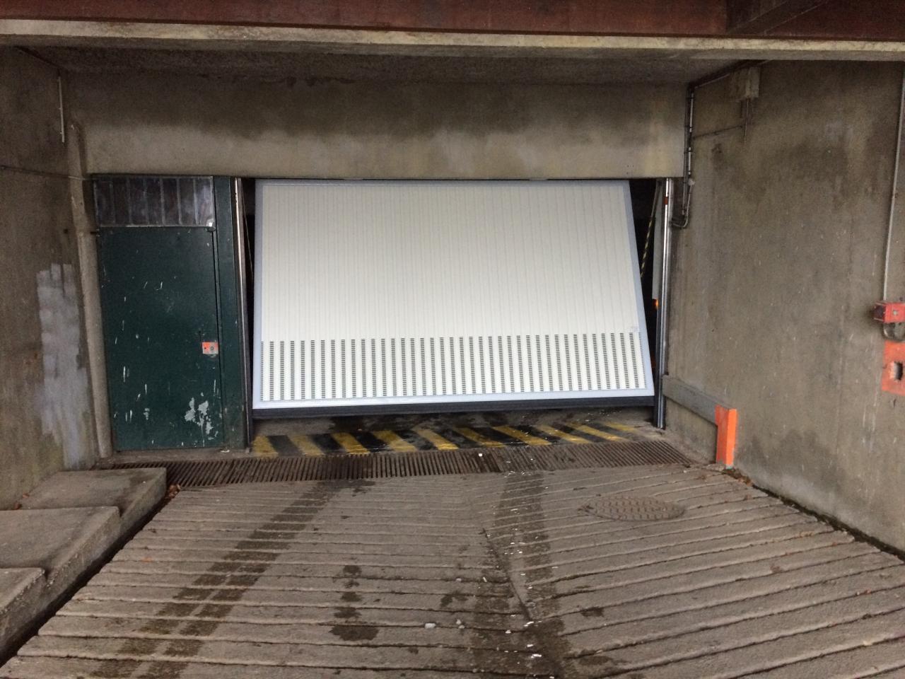 accès sous sol parking