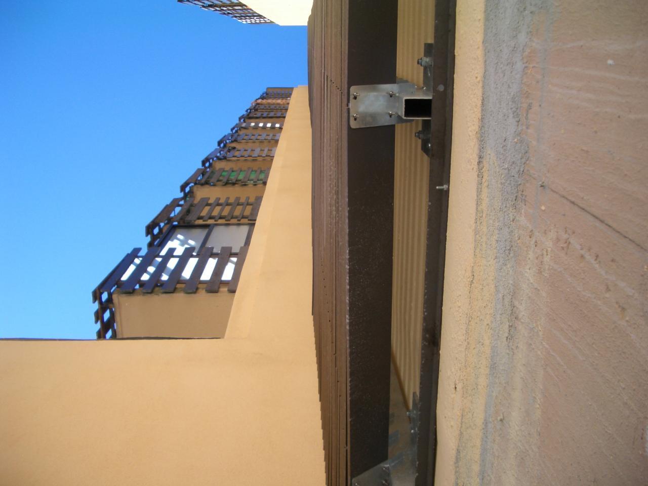 aplomb de la façade côté pair