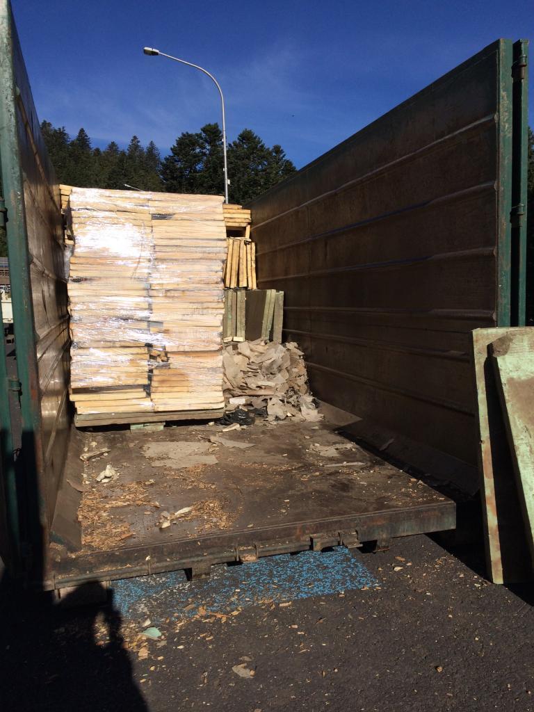 7 stockage des  vieux isolants dans les conteneurs