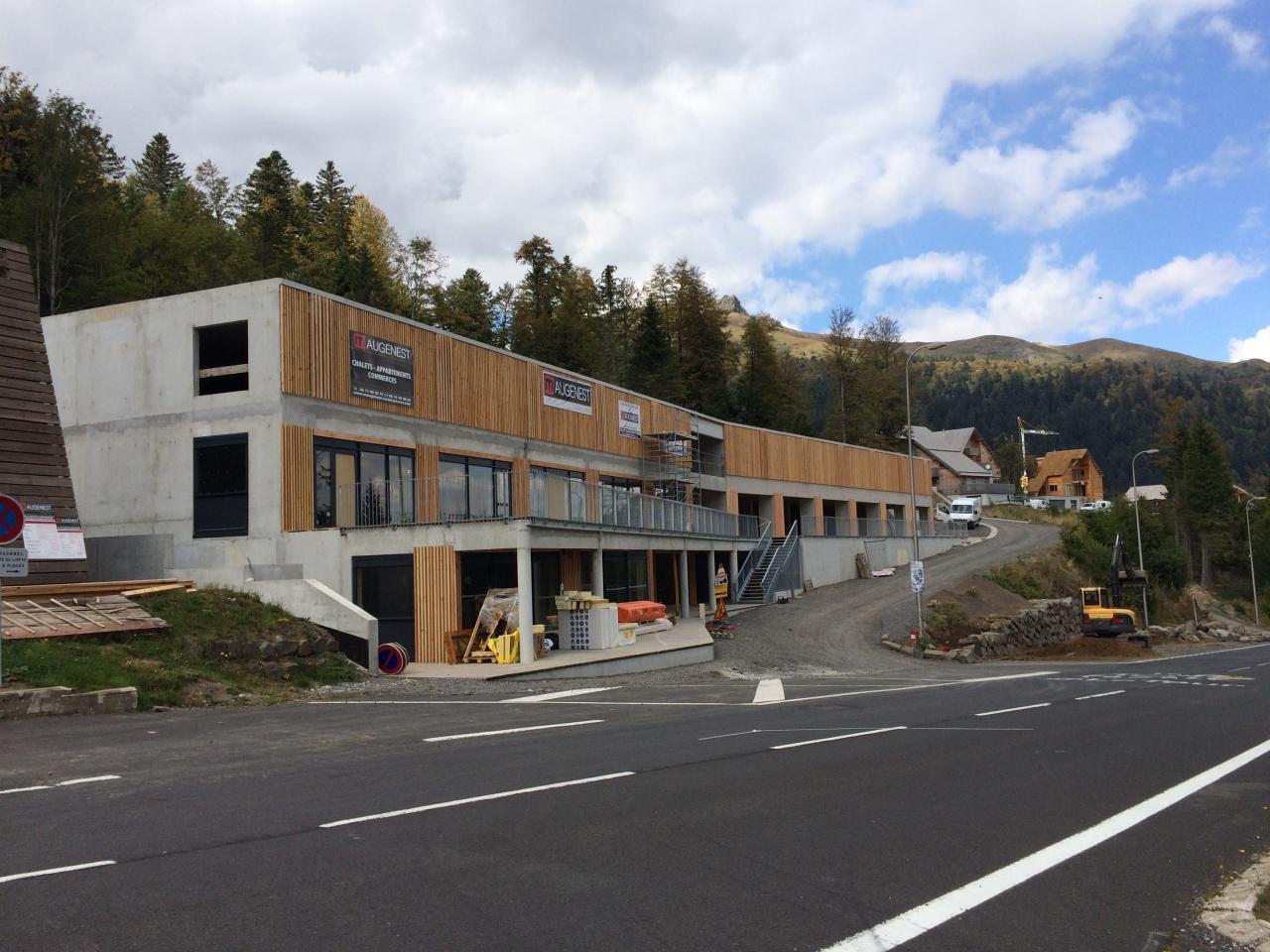 la façade s'habille de bois