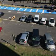 le petit parking a besoin d'être repeint