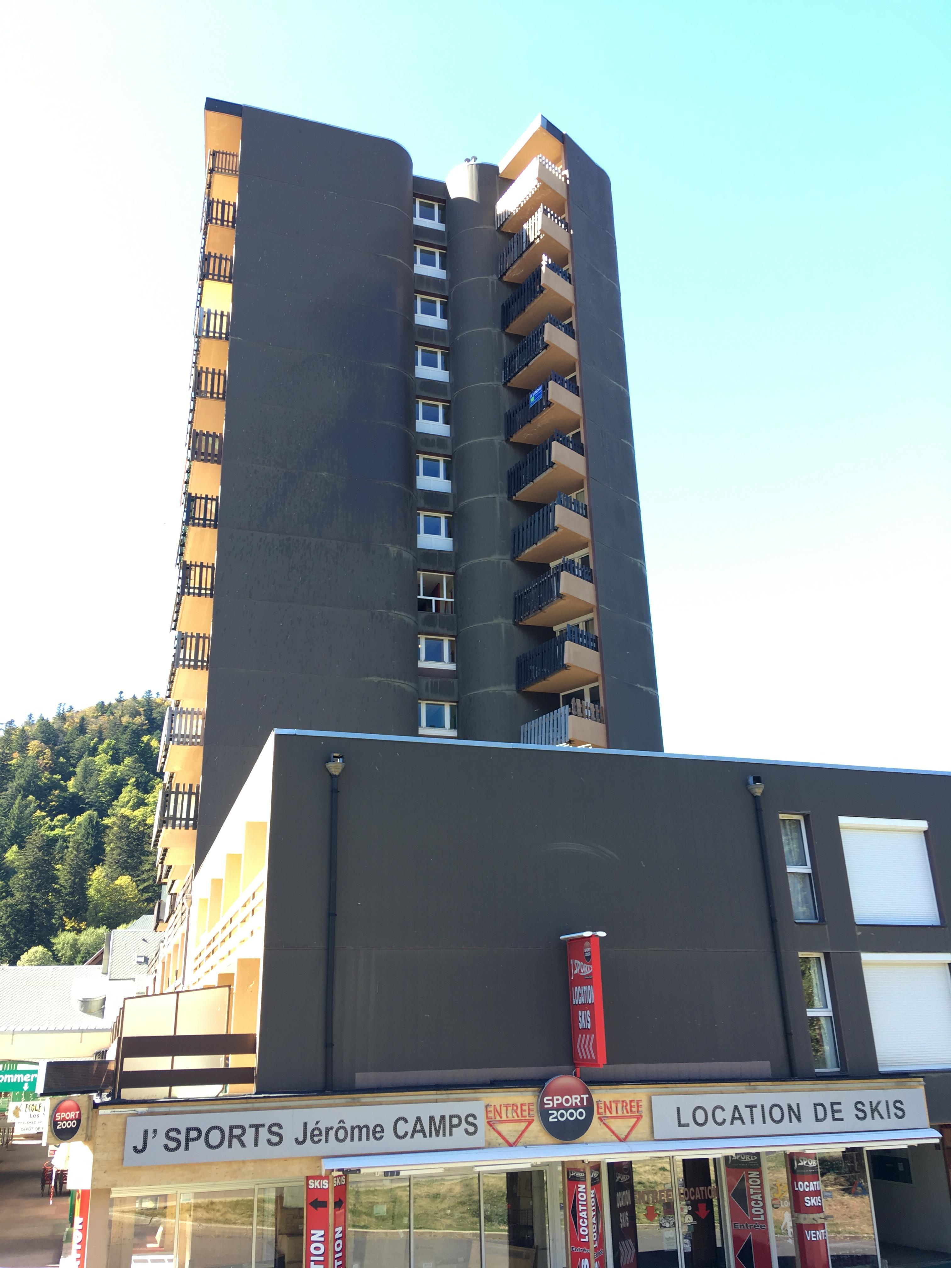pignon EST jeudi à 16h voir 6 ème étage