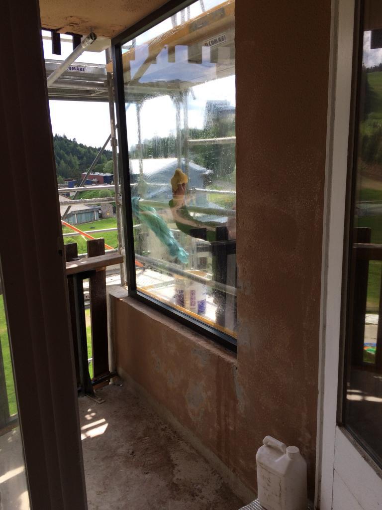 8296 nettoyage vitre extérieur