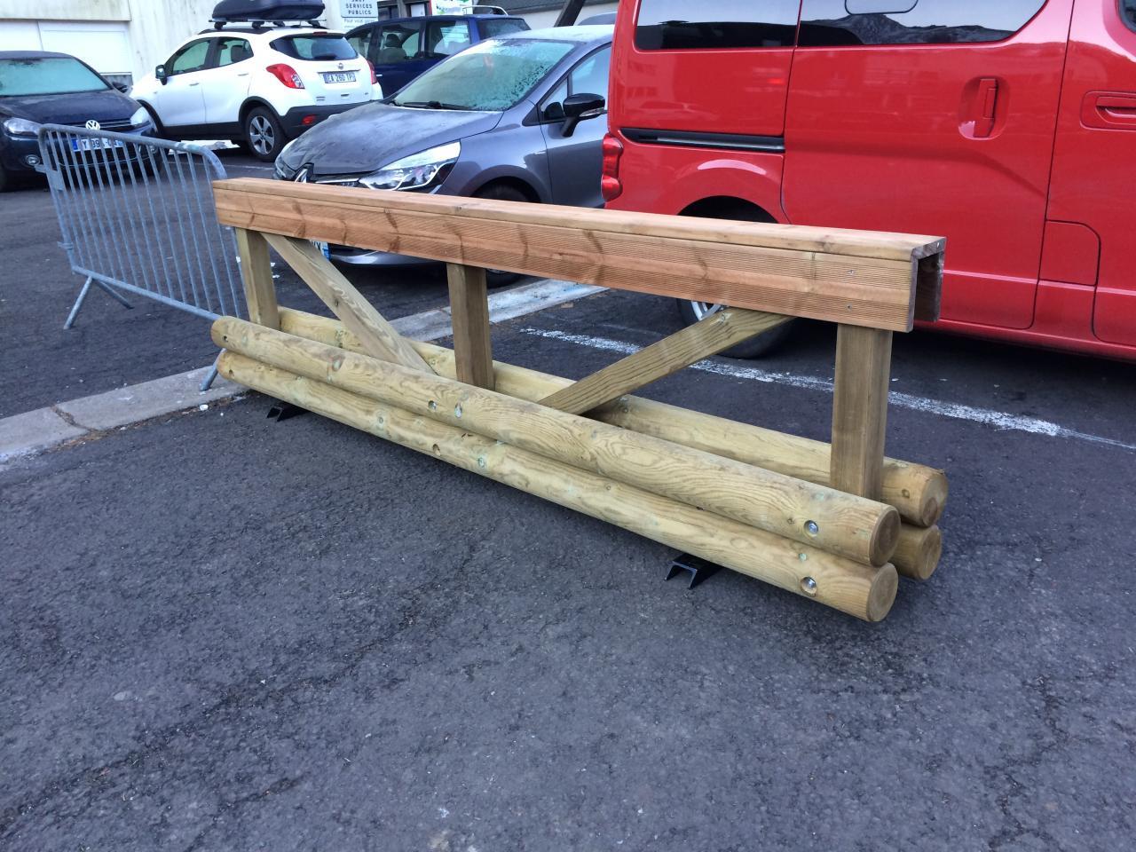 nouvelles barrières bois installées par mairie (1)