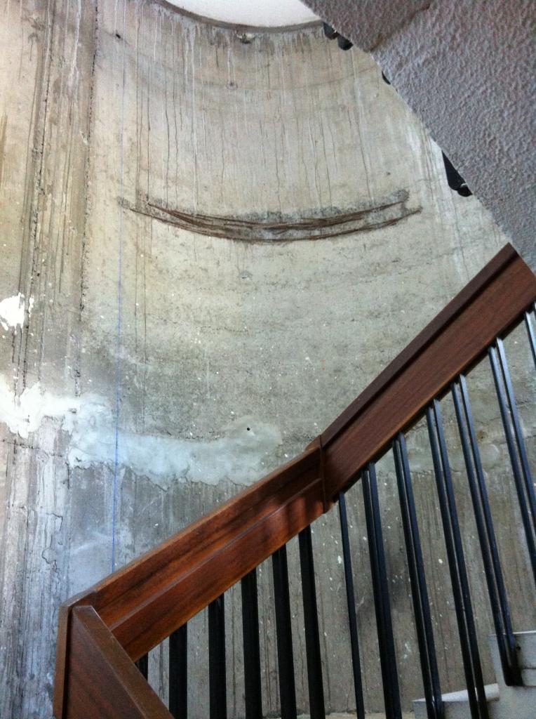 11 escalier nord deshabillé