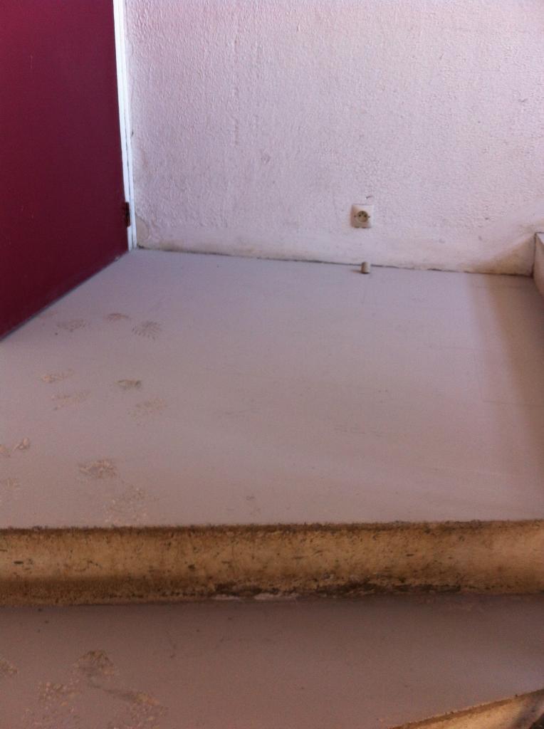 4 couche de poussière