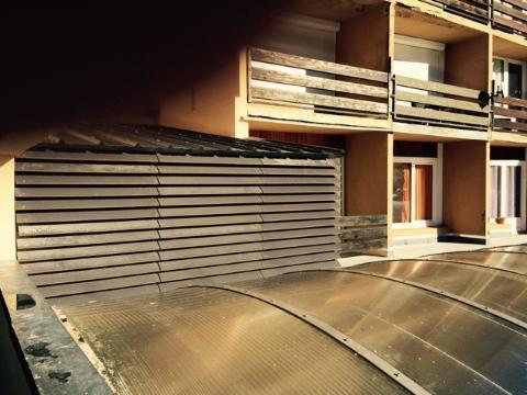 5 ventelles du hall vues de l'extérieur