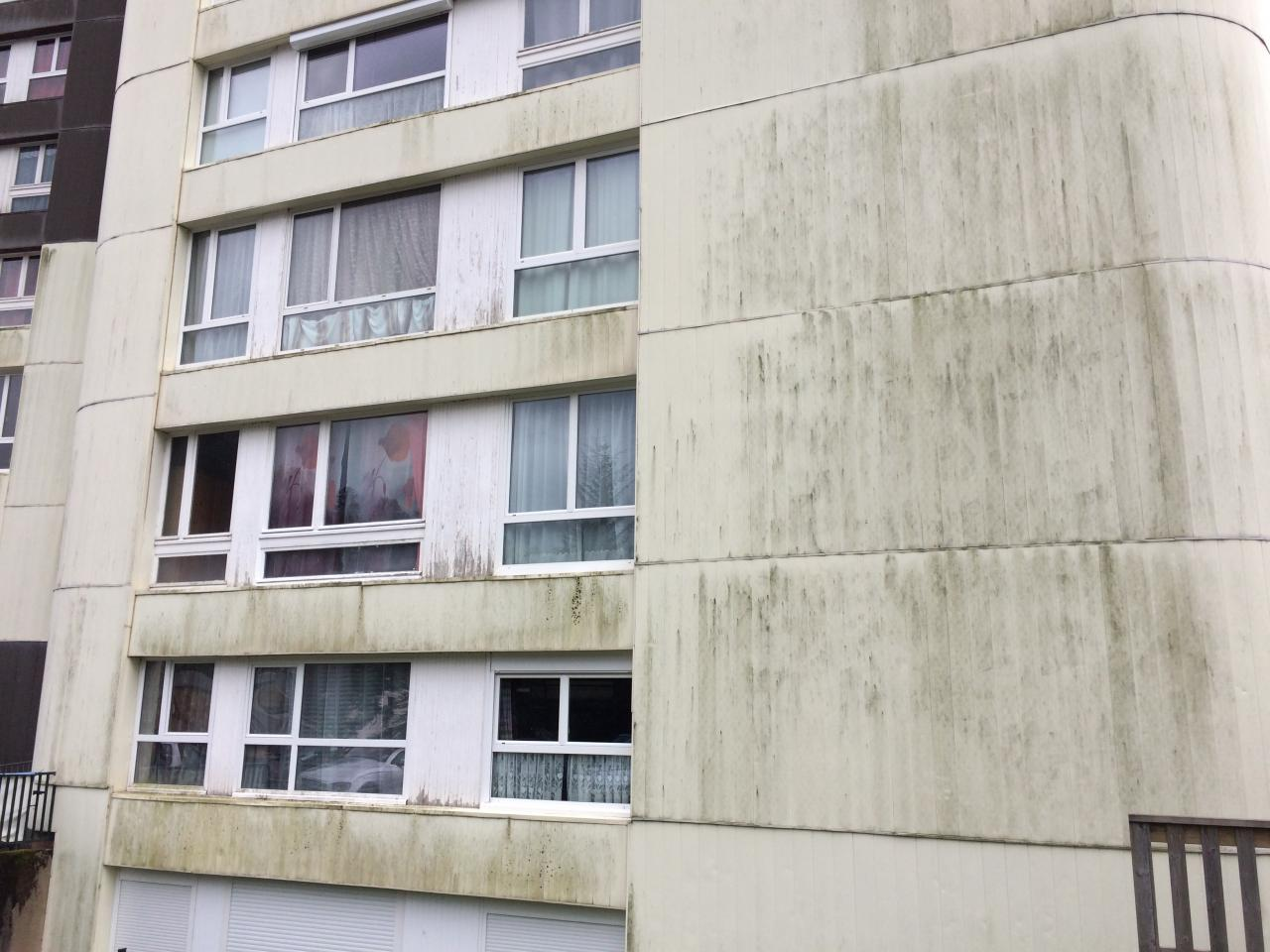 la façade Nord n'est pas belle à regarder ...