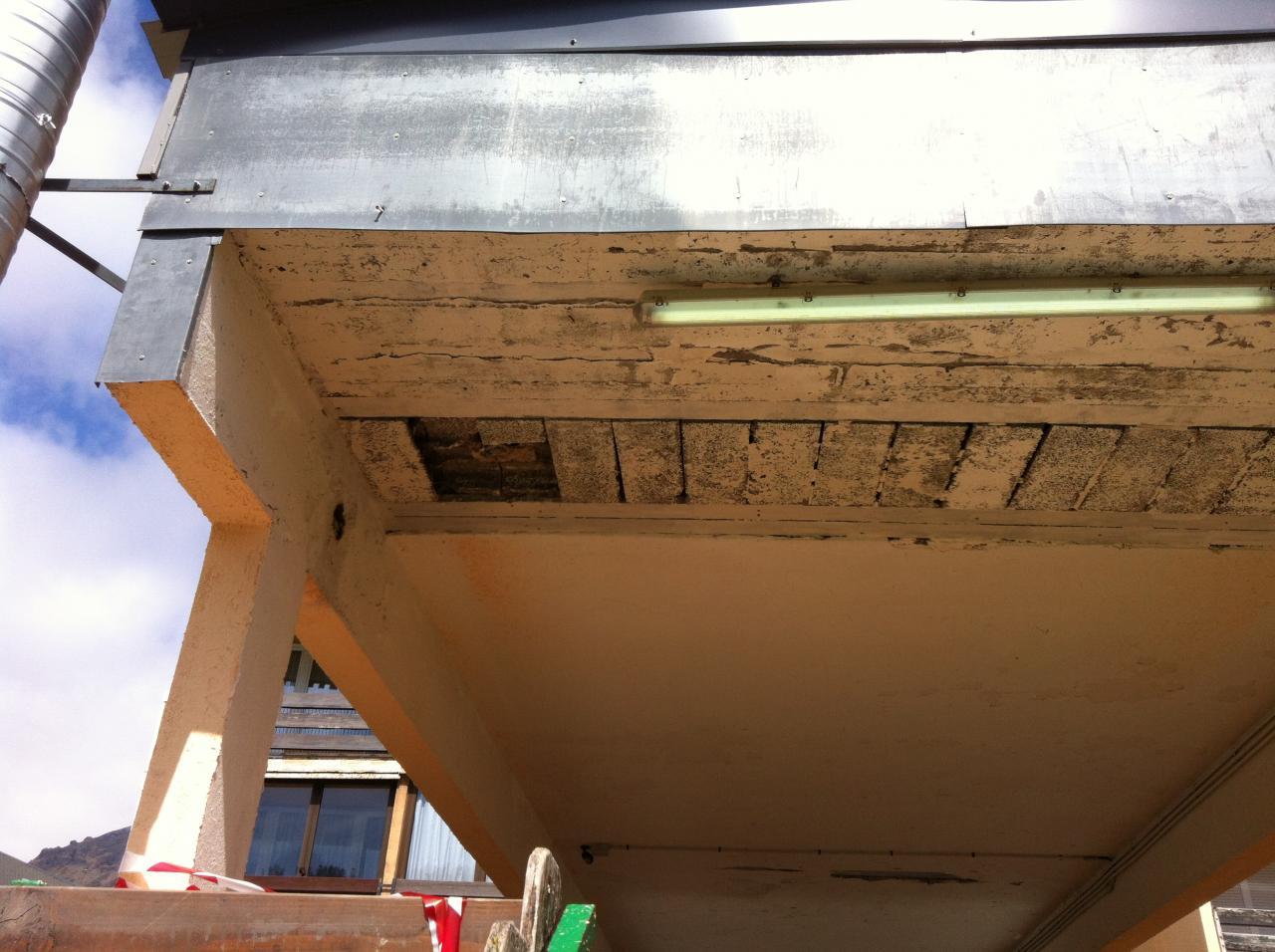 le vieux tube néon sera remplacé par une rampe de leds
