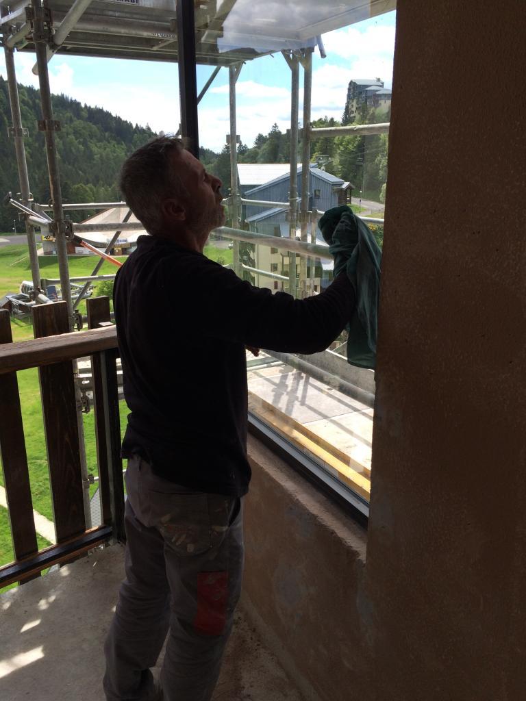 8290 nettoyage vitre côté intérieur