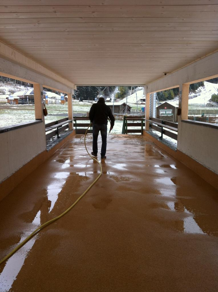 nettoyage après travaux sur  plafond